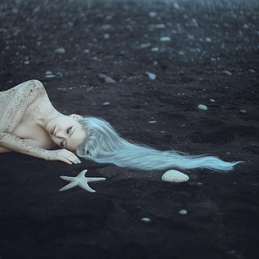 Anya Anti – Off the Tide